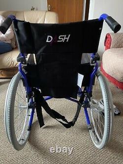 EliteCare ECTR01 Lightweight Folding Wheelchair with Handbrakes