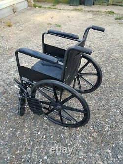 Folding Wheelchair Manual Propelled Lightweight Caremax with Parking Break